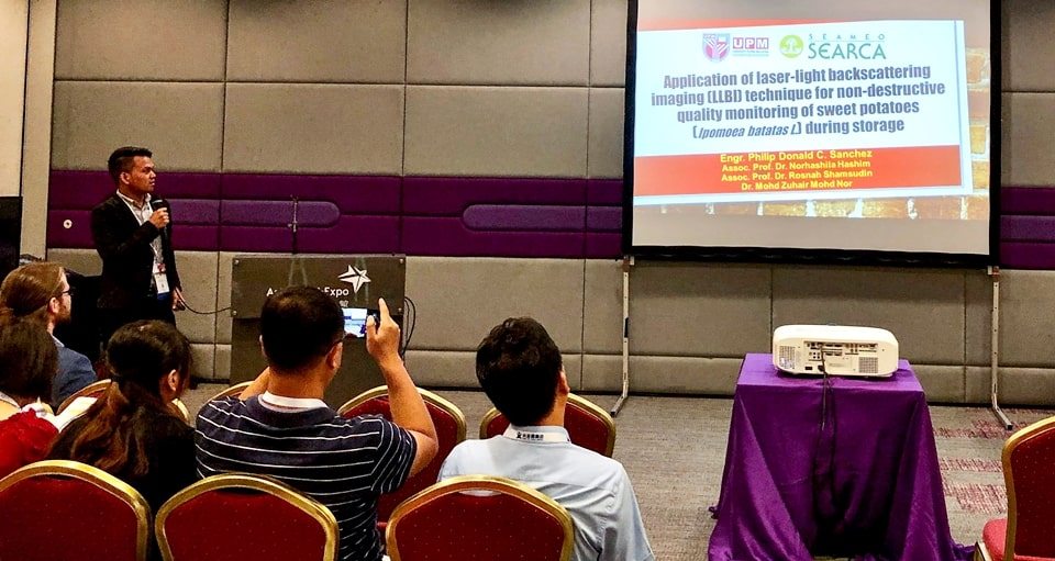 "Engr. Sanchez presenting his research: ""Application of laser-light backscattering imaging (LLBI) technique for nondestructive quality monitoring of sweet potatoes (Ipomoeas batatas L.) during storage"" in Session 1 on Non-destructive Analysis of Fresh Produce"